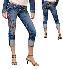 вышивка на джинсах