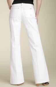 белые джинсы - хит сезона
