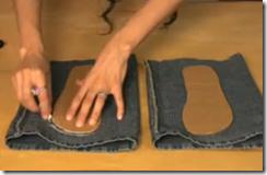 Кроим основу для тапочек из джинсов