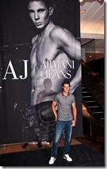 Рафаэль Надаль в джинсах Armani.
