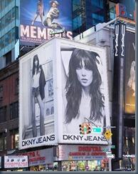 Эшли Грин DKNY