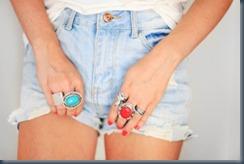 красное кольцо синие джинсы