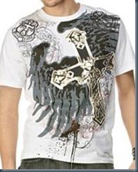 джинсы и футболка с логотипом